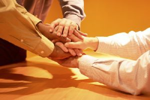 4 ways to achieve cross-departmental collaboration and teamwork