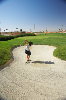 The 4 most-pathetic job-search mistakes and 3 ways to avoid them with picture of a golfer