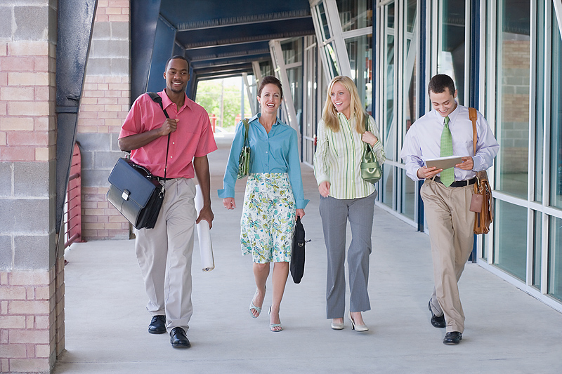 The controversial dress code at work - A love-hate dilemma